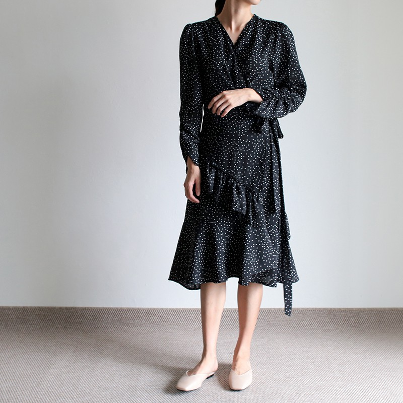 girlmonster 圓點開放式 繫腰帶長洋裝 黑色 【L019】