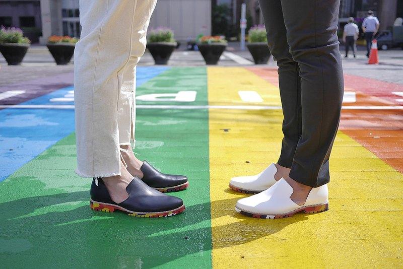 【愛花樂福- 愛的自由式】  多元情侶對鞋