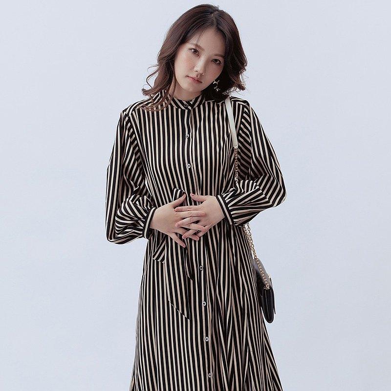 蠶絲條紋無領排釦襯衫洋裝