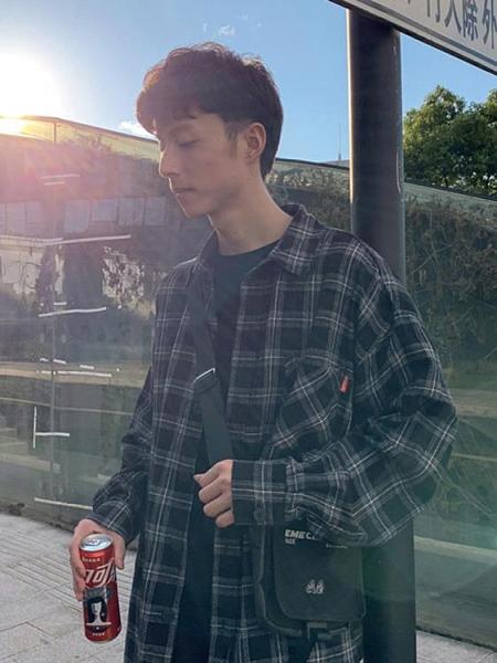 @港仔文藝男 秋季男士格子長袖日系襯衫韓版寬鬆潮流帥氣襯衣外套 618狂歡