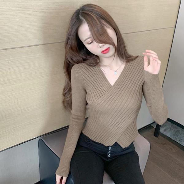 促銷全場九五折 秋冬新款溫柔風v領套頭毛衣女修身內搭不規則開叉針織衫上衣