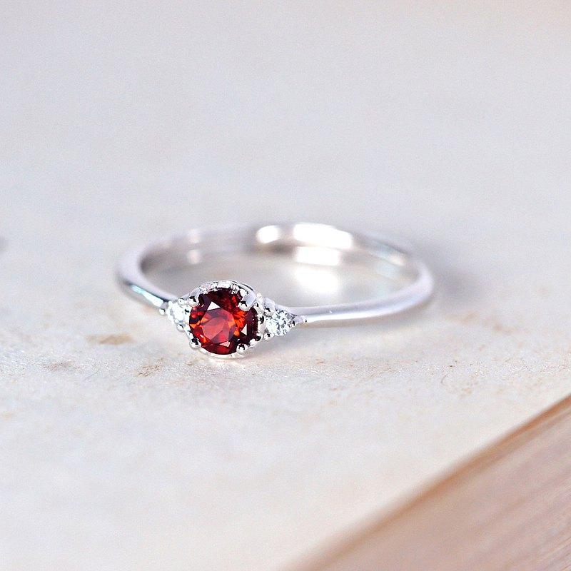 細緻簡約-紅石榴石戒指-可調式-一月誕生石-生日禮物