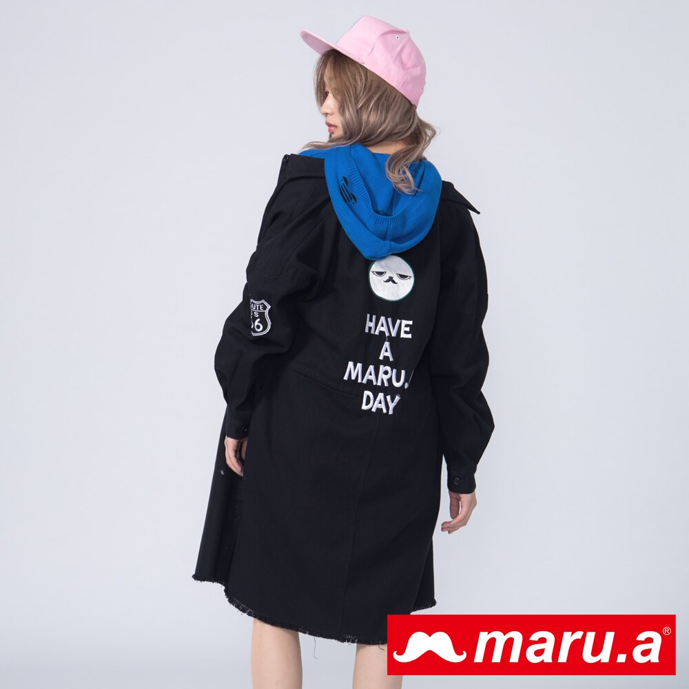 2千現折400↘搶券再折▶ 【maru.a】個性刺繡圖案長板風衣外套(黑色)▶滿800免運