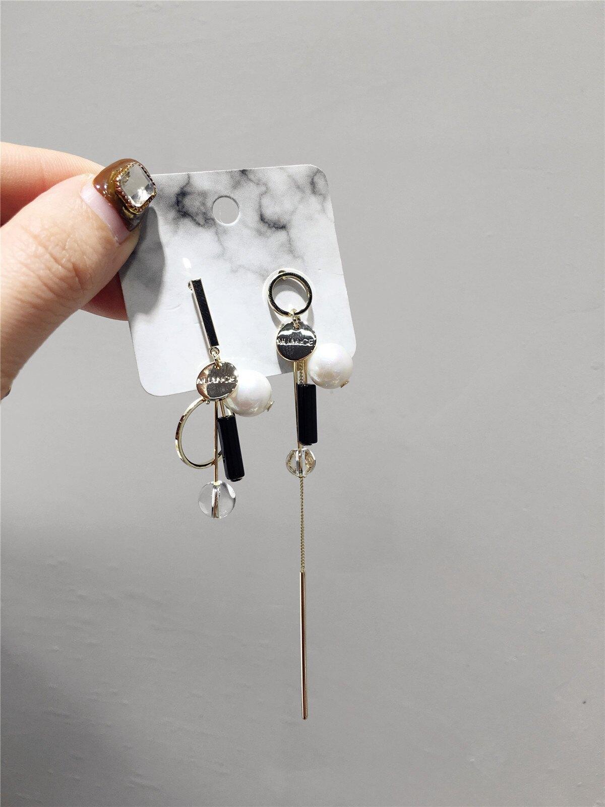 個性時尚潮人不對稱人造珍珠子串金屬流蘇銀針耳環耳釘飾品1入