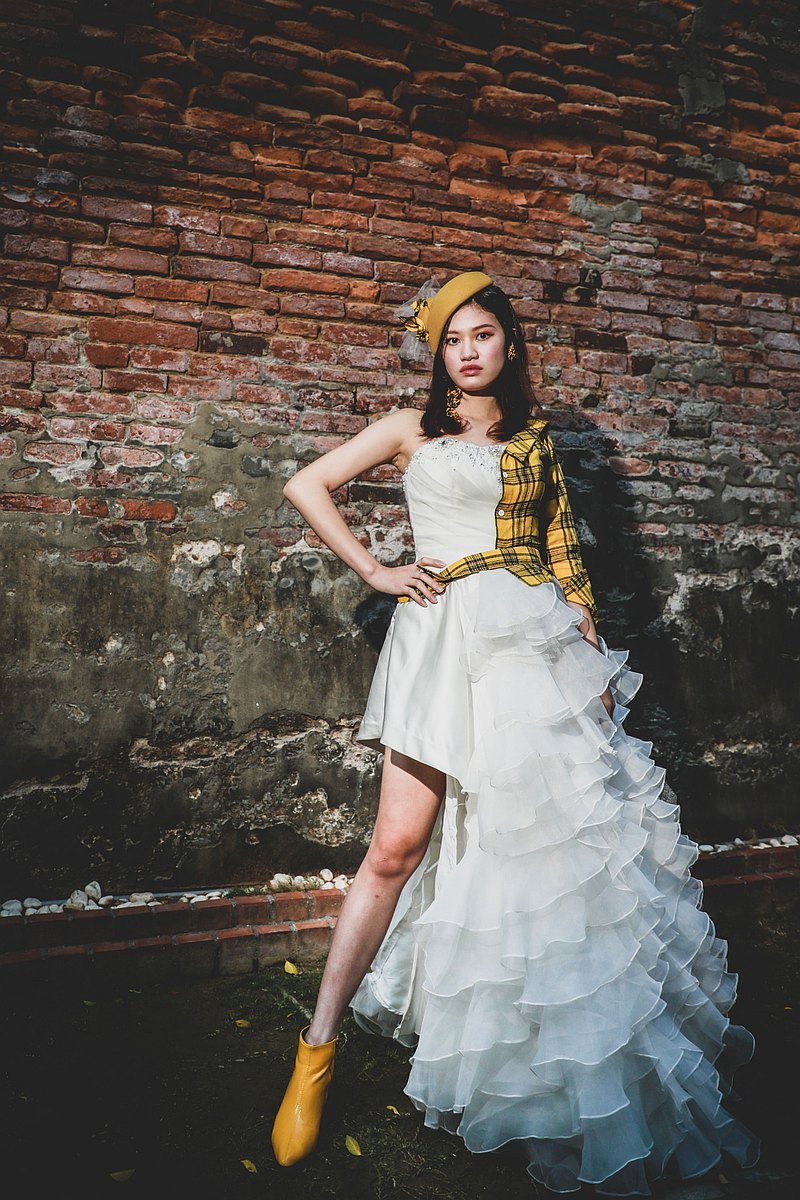 原衣二手婚紗設計