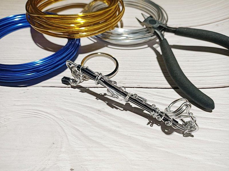 Bass clarinet Wire Lover Art studio 鋁線樂器 低音豎笛 鑰匙圈