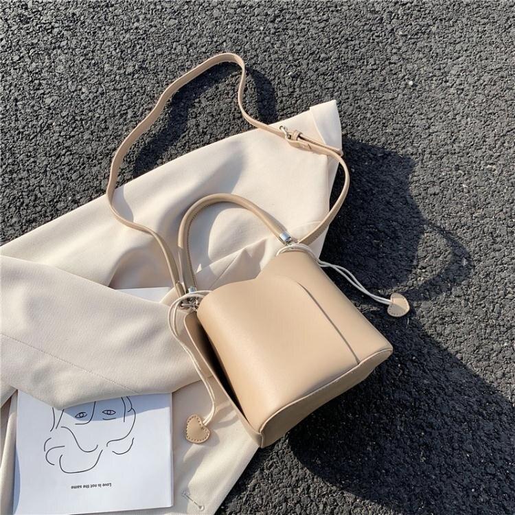 水桶包法國小眾包包女2020新款韓版百搭流行時尚單肩斜挎百搭洋氣