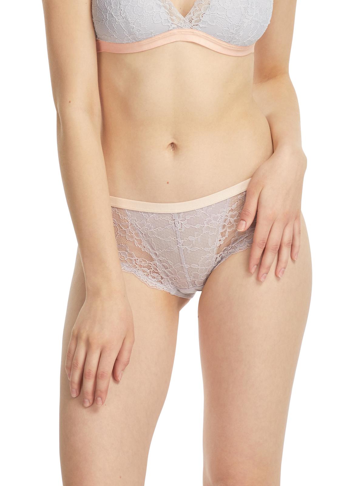 花卉蕾絲低腰包臀內褲