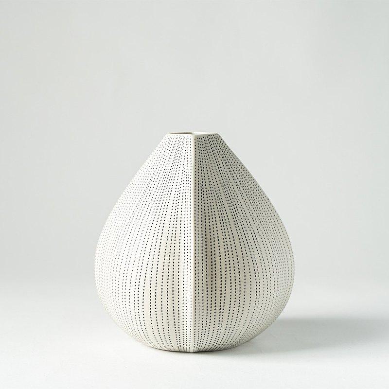 花器/花瓶  果仁造型花器