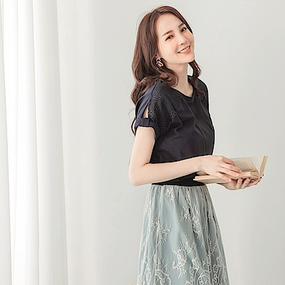 韓系鏤空蕾絲雕花拼接造型打結高含棉上衣-OB大尺碼