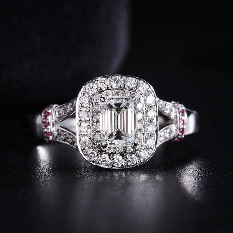 【巧品珠寶】祖母綠切割主鑽搭配豪華群鑲天然鑽石戒指