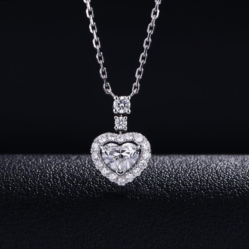 【巧品珠寶】天然鑽石心形切割主鑽搭配群鑲滿鑽圍繞心線條簍空設計款項鍊鎖骨鏈