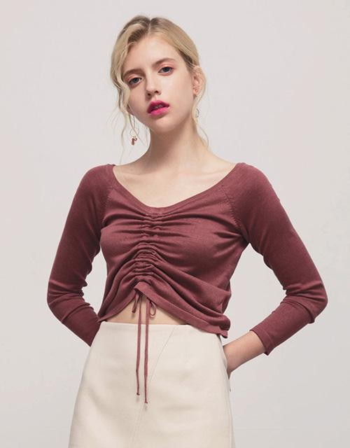 抽繩設計一字領羅紋上衣