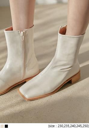 韓國空運 - 木紋低跟方頭窄筒短靴 靴子