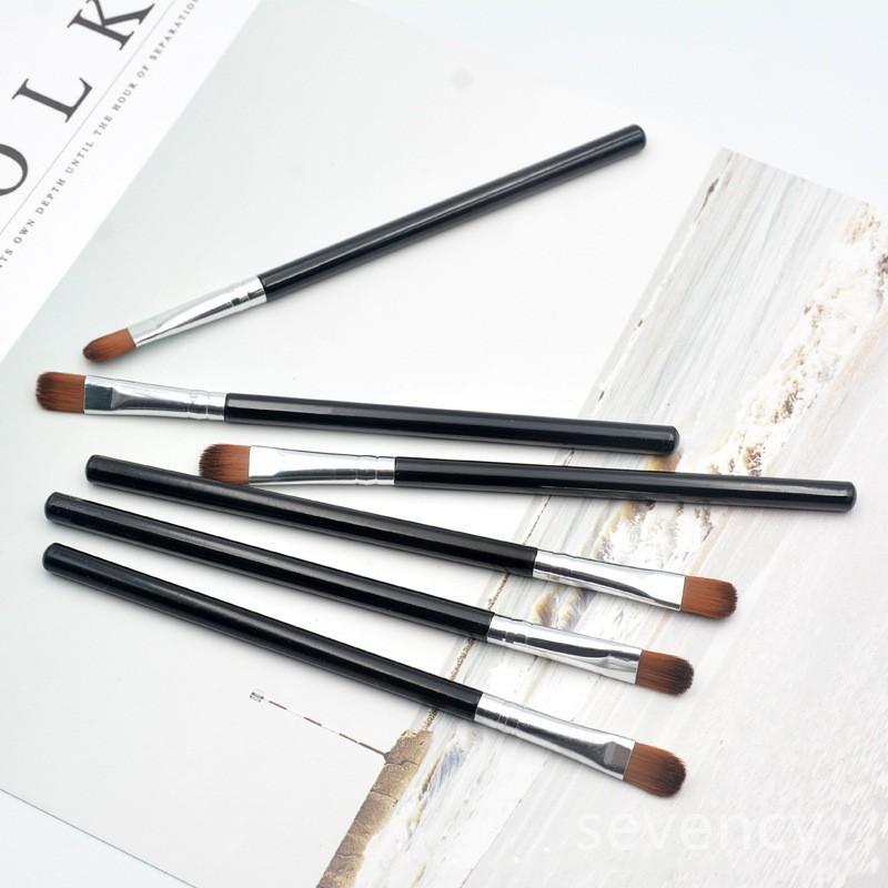 【Sevency】便攜式斜 單支化妝刷 眼影刷美容化妝工具初學者單只化妝刷