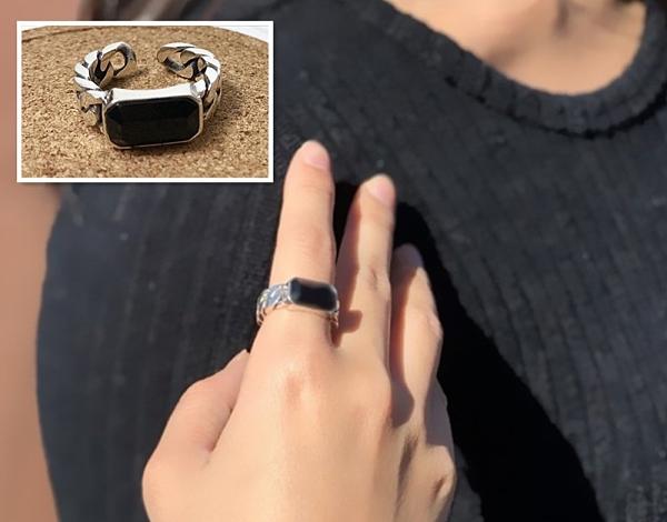 戒指 925純銀活圍戒指 長方造型黑瑪瑙 復古編織銀框 C型開口~活圍戒 中性潮流款 【羅蘭達銀飾】