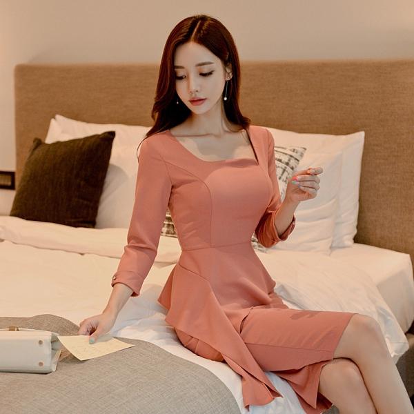OL洋裝 新款女方領秋裝荷葉邊連身裙 時尚包臀顯瘦中長款性感 店慶降價