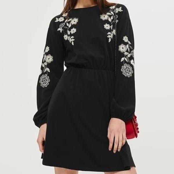 【南紡購物中心】《D Fina 時尚女裝》百搭刺繡 後背小綁帶鏤空氣質風洋裝