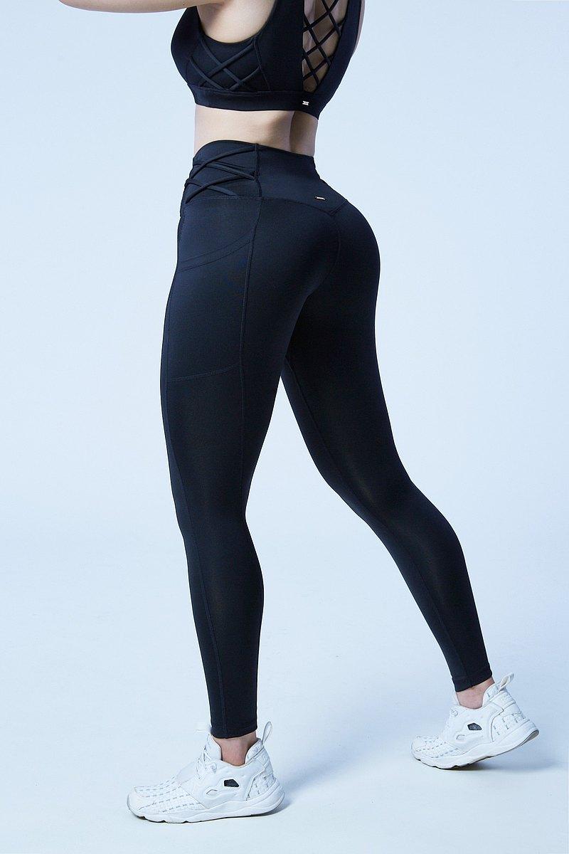 【XOFFIT】勝利女王V綁帶瑜珈健身運動褲-星空黑