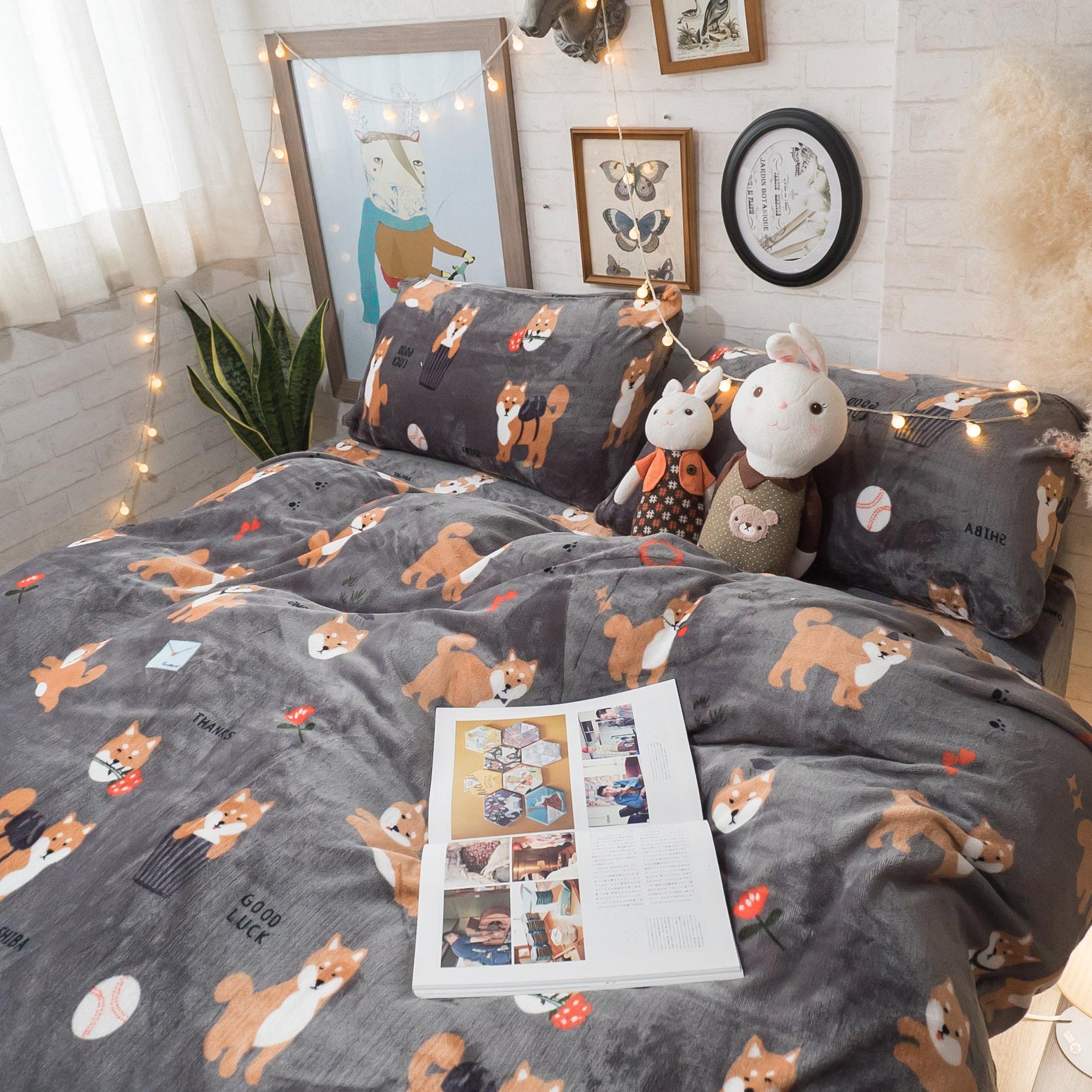 可愛小柴 法蘭絨床包兩用毯組(文藝系) 雙人/加大可選 溫暖舒適 【棉床本舖】