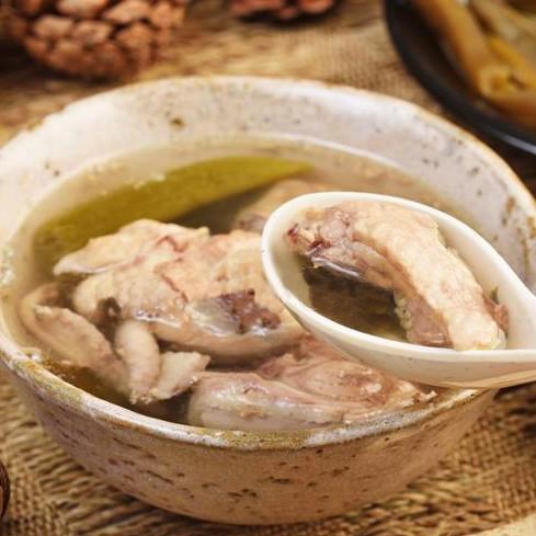個人暖心獨享包 - 剝皮辣椒雞湯(湯底300g+雞腿塊x2) 赤豪家庭私廚