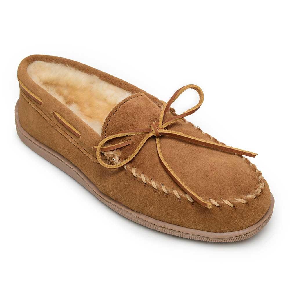 Minnetonka Sheepskin Hardsole Moc- Mens slippers