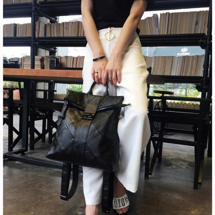 後背包 新款時尚皮質拼接後肩包女韓版百搭鎖扣背包大容量旅行軟皮包【年終尾牙 交換禮物】