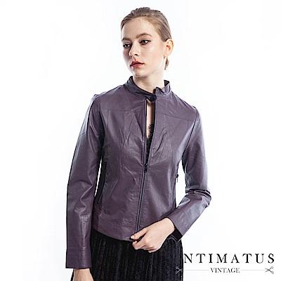 INTIMATUS 簡約感立領設計修身短版小羊皮外套(沉穩紫) IW1903