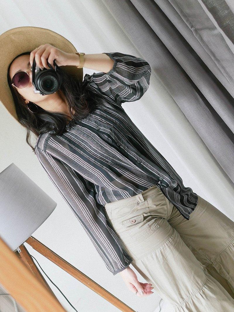 shirt • 黑灰無色彩直紋捲捲領澎袖 透膚紡紗上衣洋裝' vintage