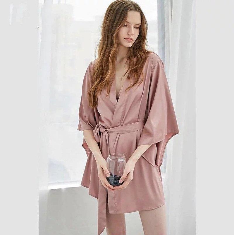 優雅緞面睡袍 黑色/粉紅色