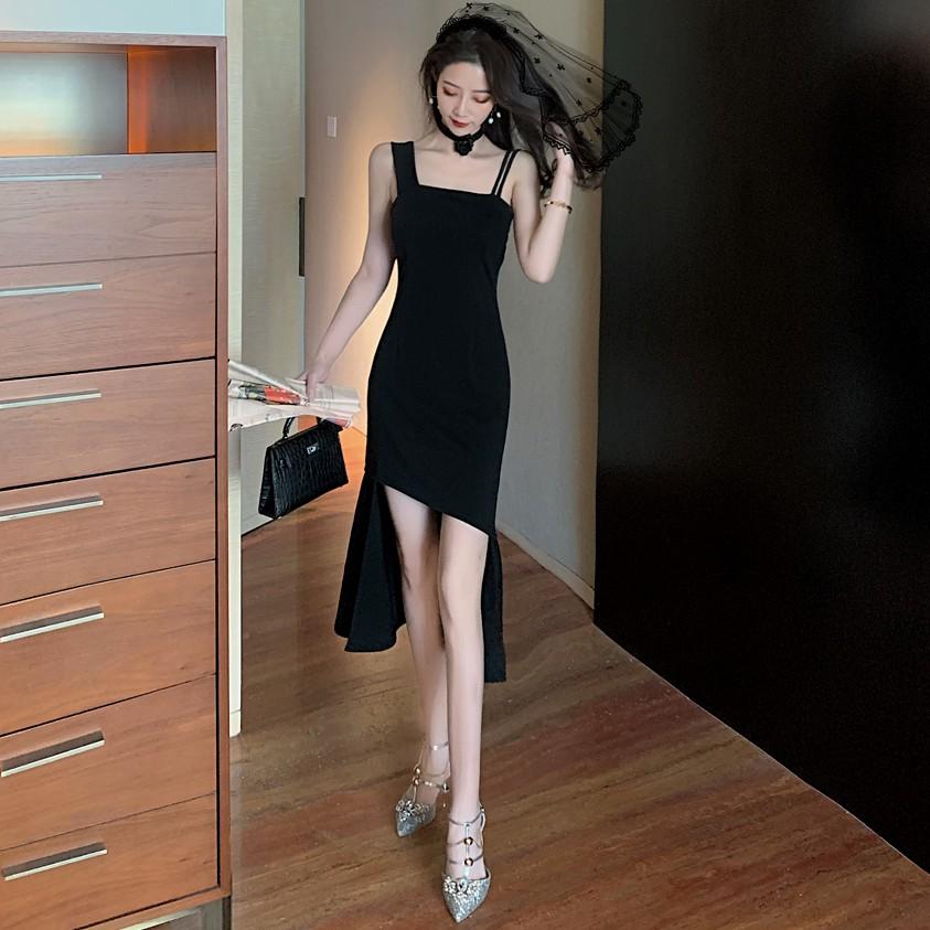 <特價現貨>吊帶洋裝 不規則連衣裙女黑色禮服氣質夜店性感吊帶裙子 中長款 度假休閒聚會派對夜店洋裝 正韓洋裝 時尚個性潮