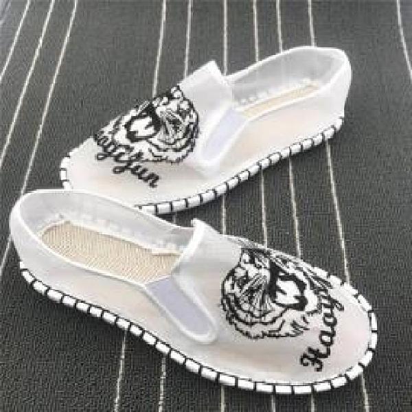 帆布鞋 鏤空網鞋情侶老北京透氣刺繡套腳紅人懶人鞋 阿宅便利店
