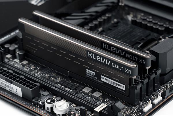 KLEVV 科賦BOLT XR-DDR4 3600 32GB 電競超頻記憶體(16G*2)