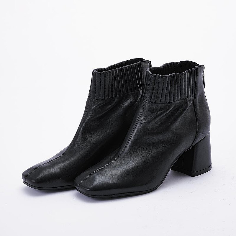 【即簡質感】柔嫩羊皮鬆緊筒圍後拉鍊襪靴_經典黑