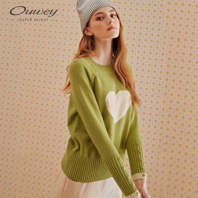 OUWEY歐薇 愛心緹花釘釦針織上衣(黑/綠)