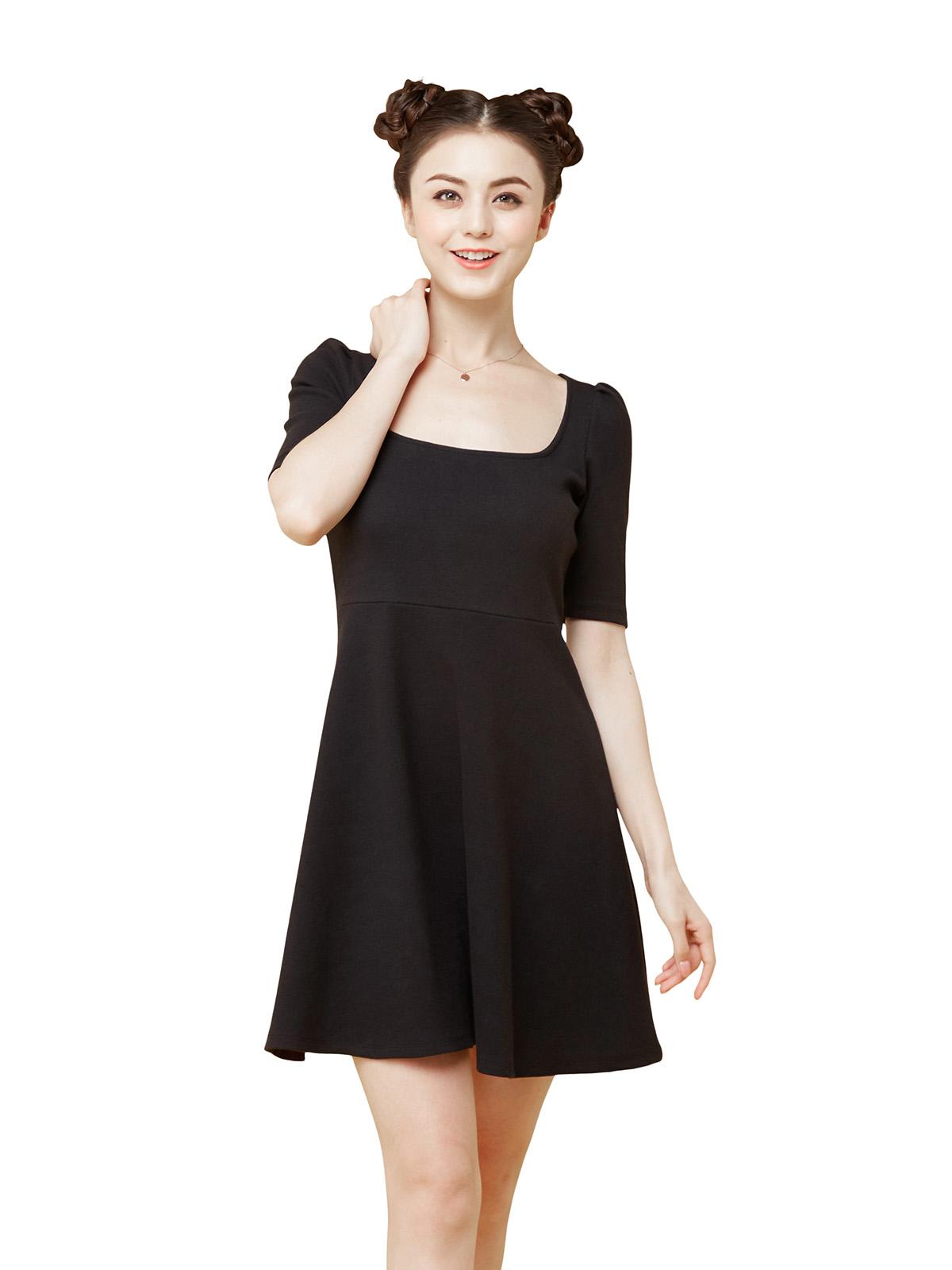 大方領彈性連身裙