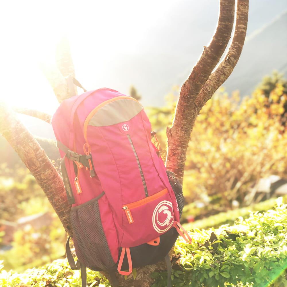 行動派女生 輕旅行後背包 獨立鞋袋設計