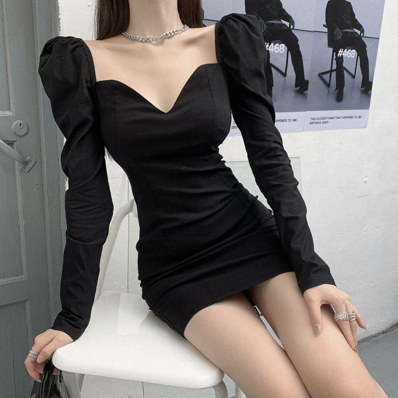 秋季新款長袖修身裙子收腰包臀短裙方領氣質黑色連衣裙女裝潮