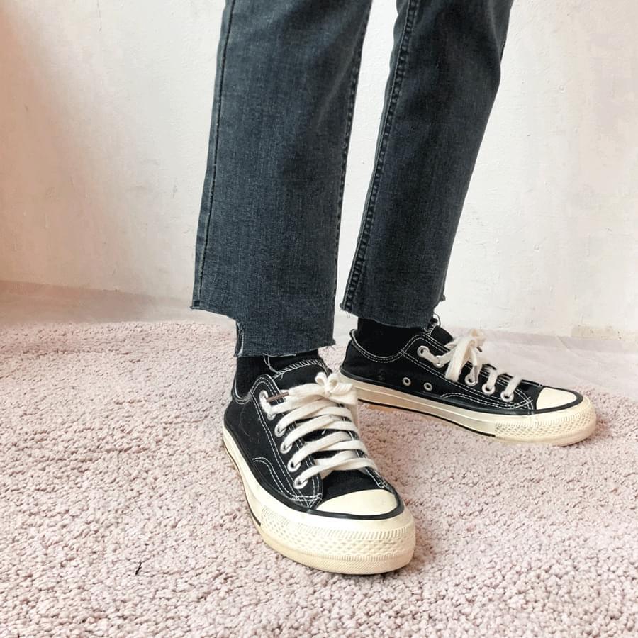 韓國空運 - 5923 brushed hem cut slim denim pants 牛仔褲