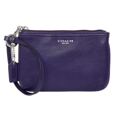 COACH葡萄紫素面全皮漆字拉鍊手拿包
