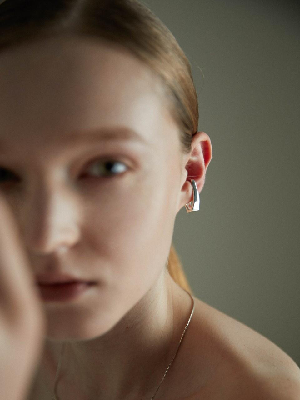 波光曲面耳扣-925純銀-mouggan