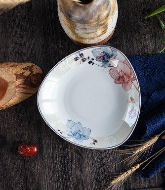 創意盤子家用無鉛骨瓷方深湯盤菜盤飯盤餐盤陶瓷方盤子微波爐