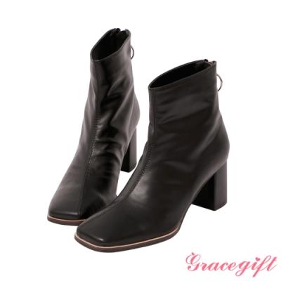 Grace gift-抓皺金屬圓環中跟短靴 黑