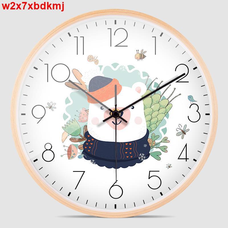 【夜店遊戲掛件貼畫】北歐簡約掛鐘可愛卡通靜音日式鐘表家用客廳臥室兒童房實木石英鐘