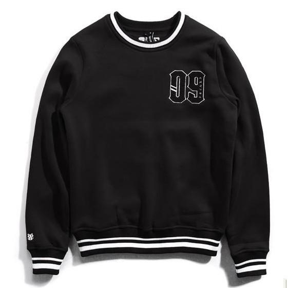 IZZVATI (6)黑色刷毛保暖大學T-I30617-89