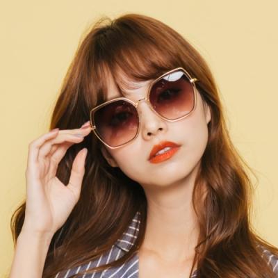 ALEGANT優雅復古鏤空線條設計楓糖棕漸層金框墨鏡│UV400太陽眼鏡│墨染櫻的星夜花園