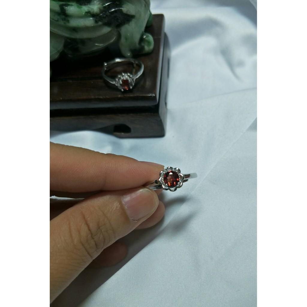 【焉熙】925銀18k鎂鋁榴石(太陽花-戒指) 0.65CT 13活圍 VS