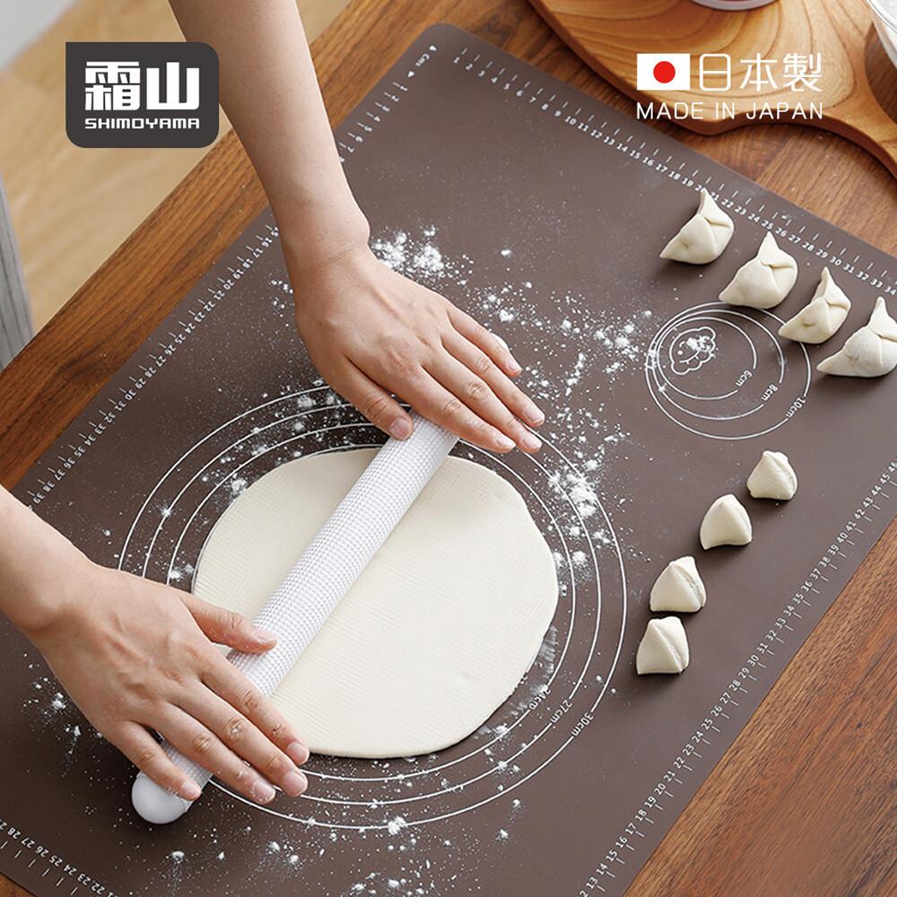 日本霜山方形矽膠不沾揉麵墊附刻度(65x45cm)