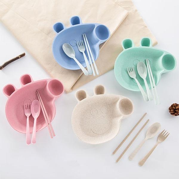 小麥秸稈小豬造型兒童餐盤四件組 盤筷勺叉四件套 (隨機出貨不挑色)