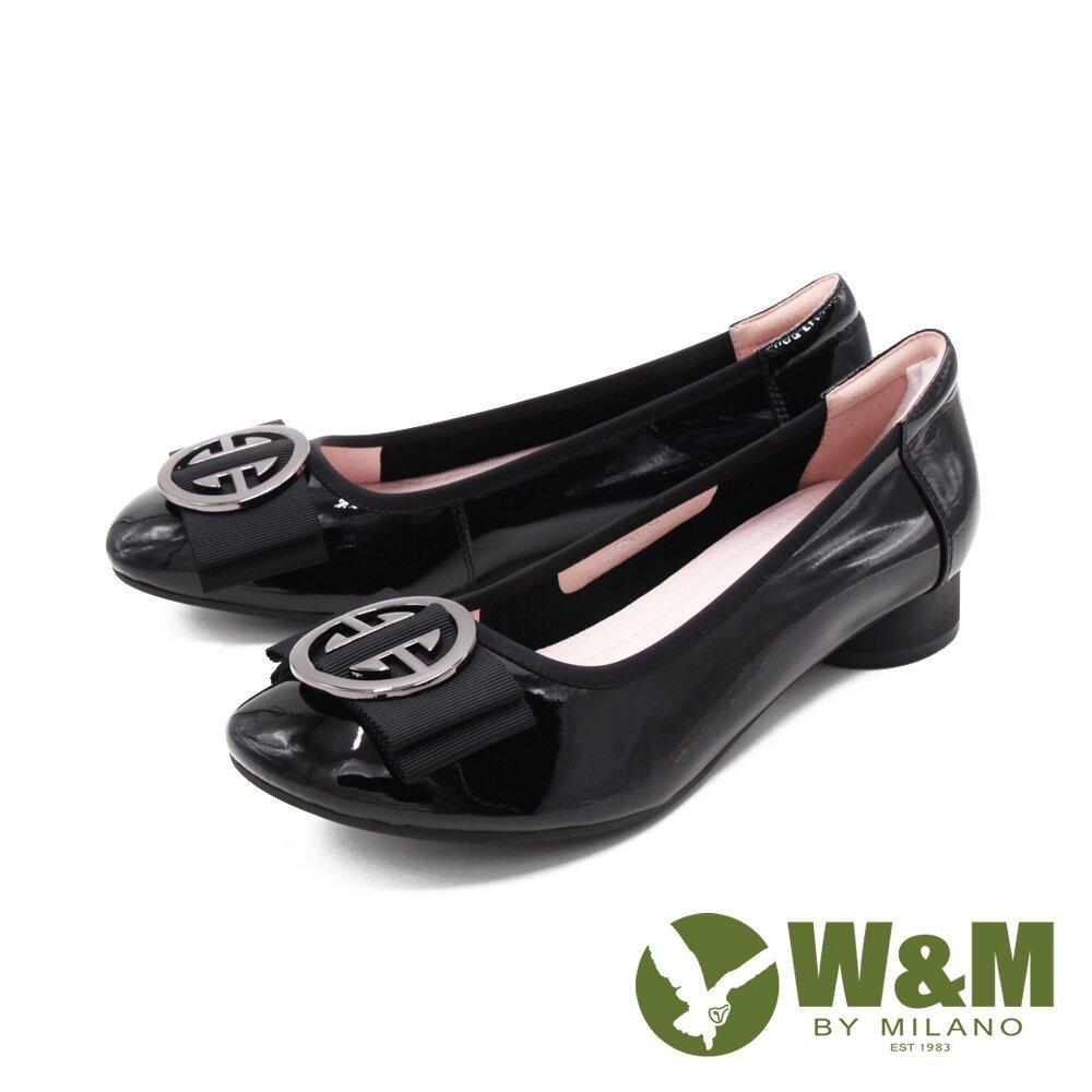 W&M (女)方圓頭飾釦漆皮娃娃鞋 包鞋 女鞋 -黑(另有紅)